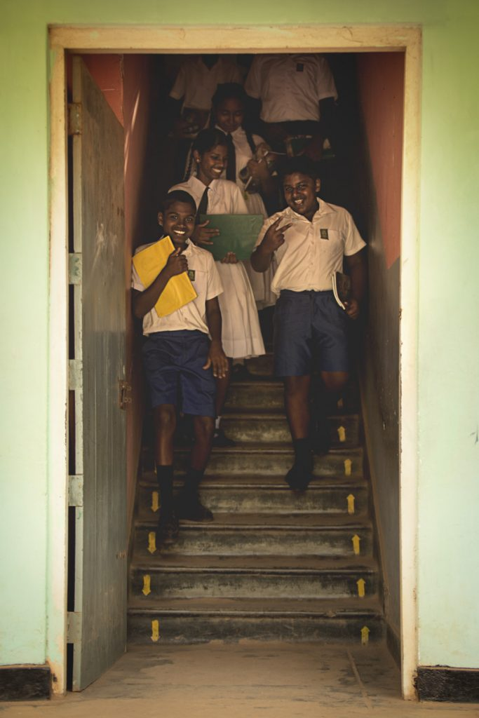 Gallé ecoliers du Sri Lanka
