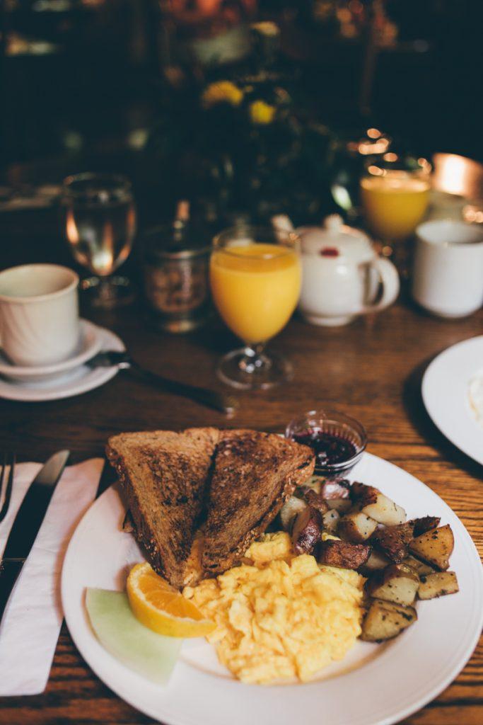 USA : Big sur inn breakfast