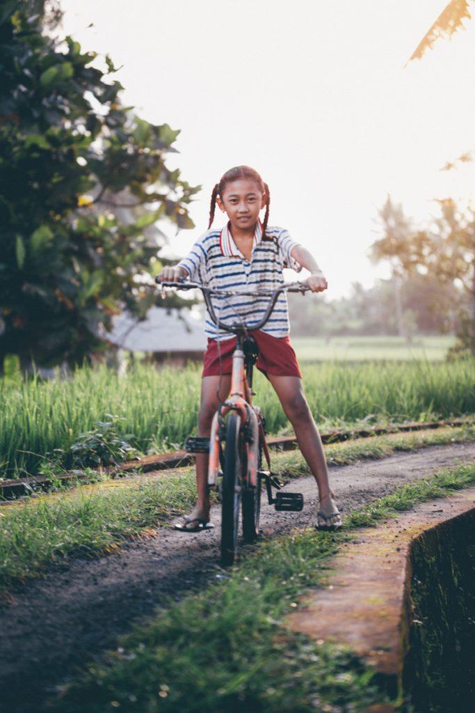 Bali fille velo