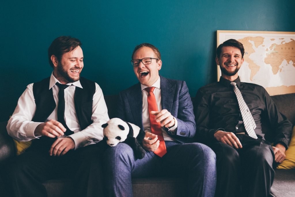 Photographe Marcq en Baroeul invités mariage rires