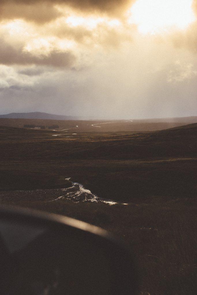 L'Ecosse en bivouac soleil sur les highlands