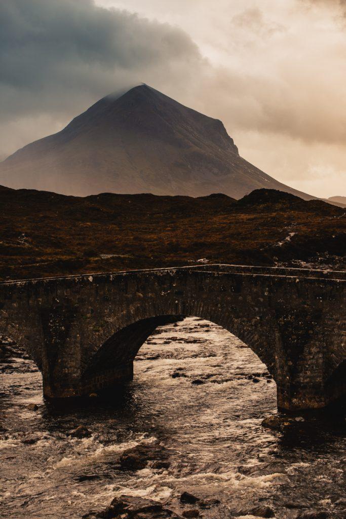 L'Ecosse en bivouac pont sur l'ile de skye sligachan old bridge