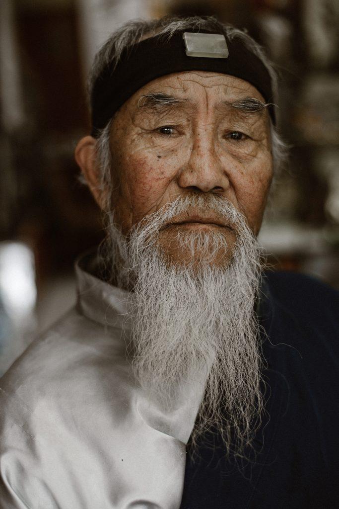 visiter pekin vieux sage avec barbe