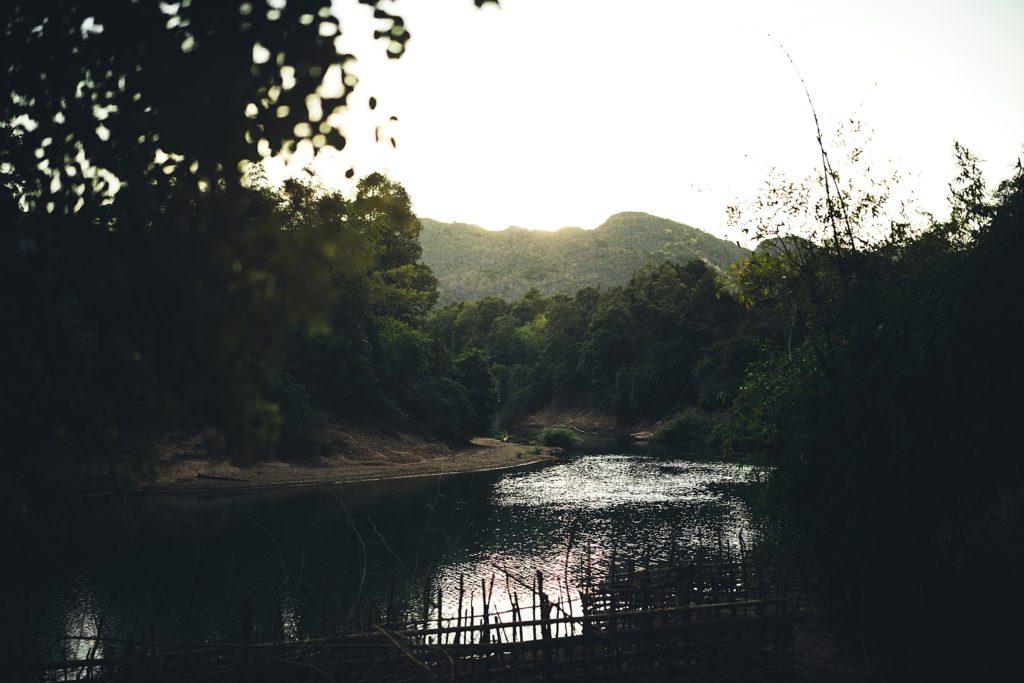la boucle de thakhek paysage konglor laos