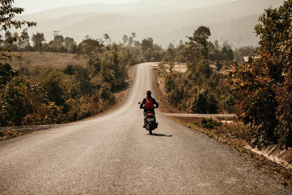 la boucle de thakhek où louer un scooter ?