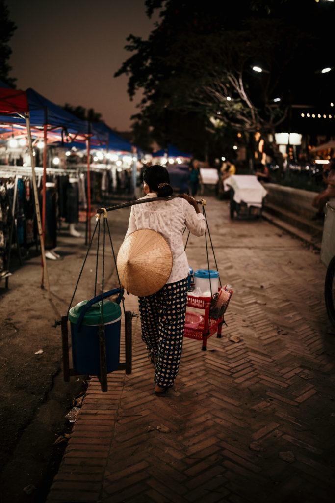 voyage au laos night market