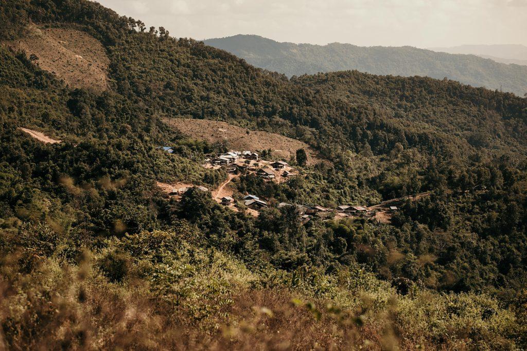 Trek au Laos chez les Akha village akha vu de haut