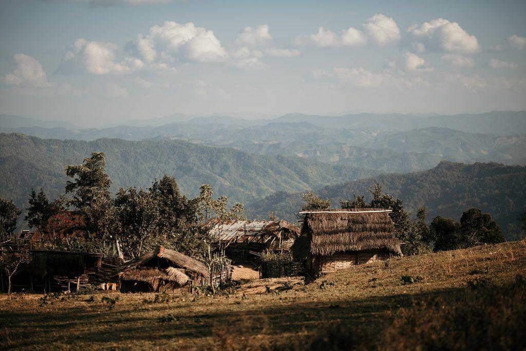 Trek au Laos chez les Akha village traditionnel
