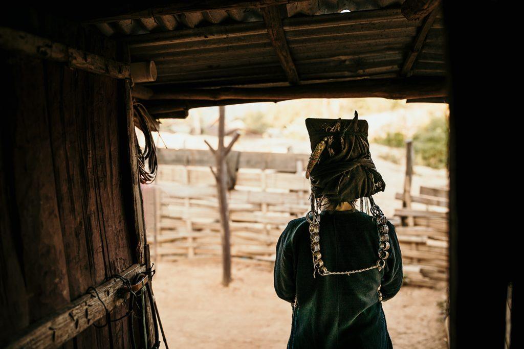 Trek au Laos chez les Akha habit traditionnel