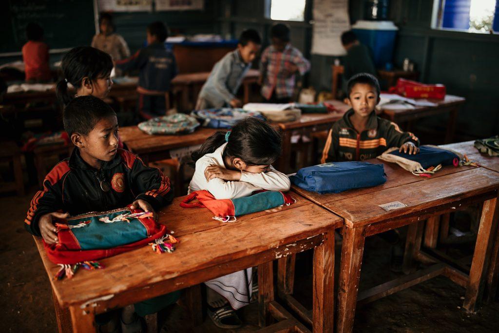 Trek au Laos chez les Akha ecoliers