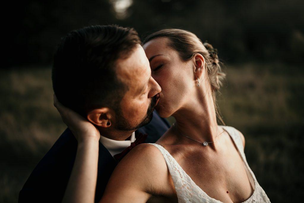 mariage a lille photo des mariés baiser langoureux