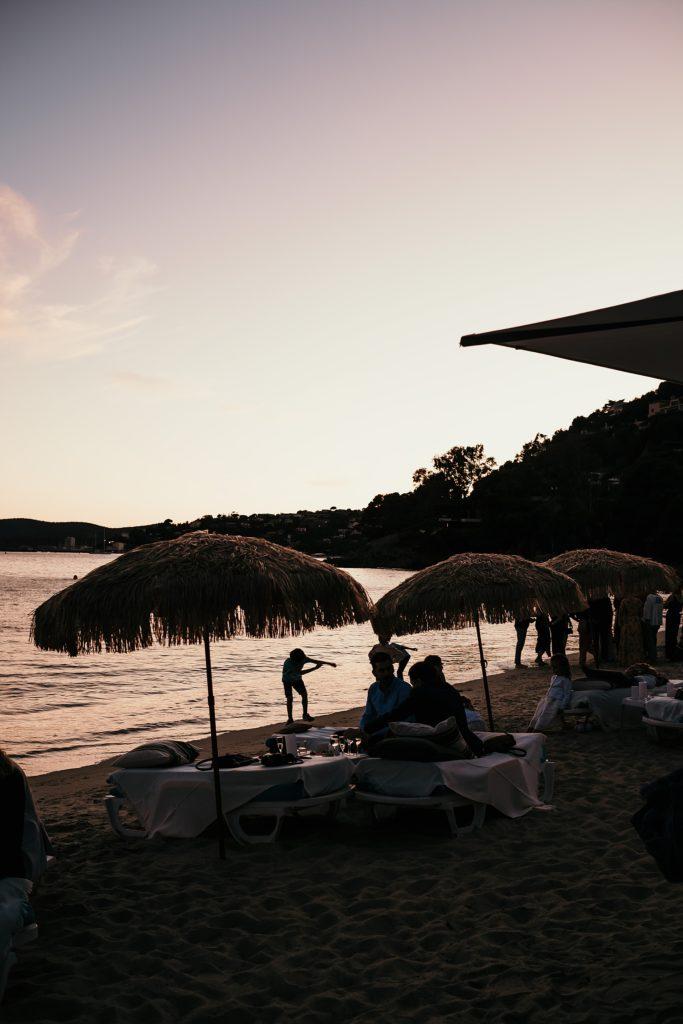 mariage bormes mimosas plage fossette au crepuscule