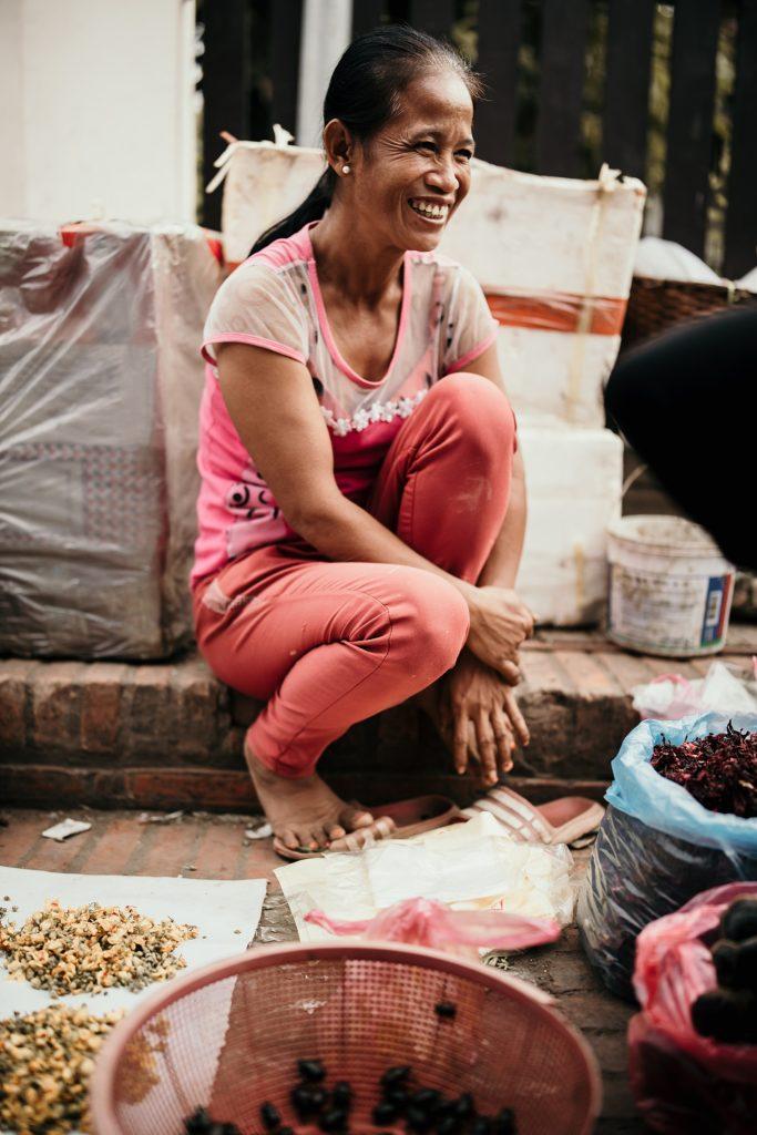 voyage au laos sourire marché