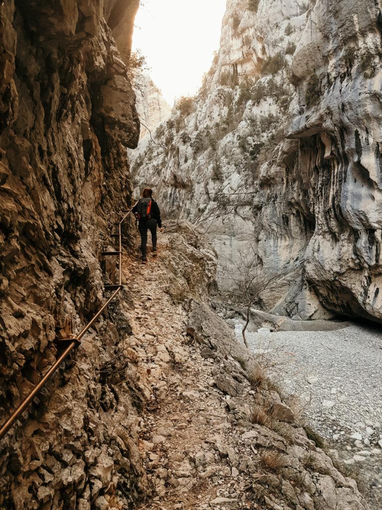 Les randonnées du Verdon passage délicat du maugé